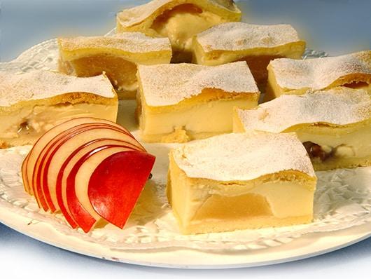 Sočni kolač s jabukama / racept
