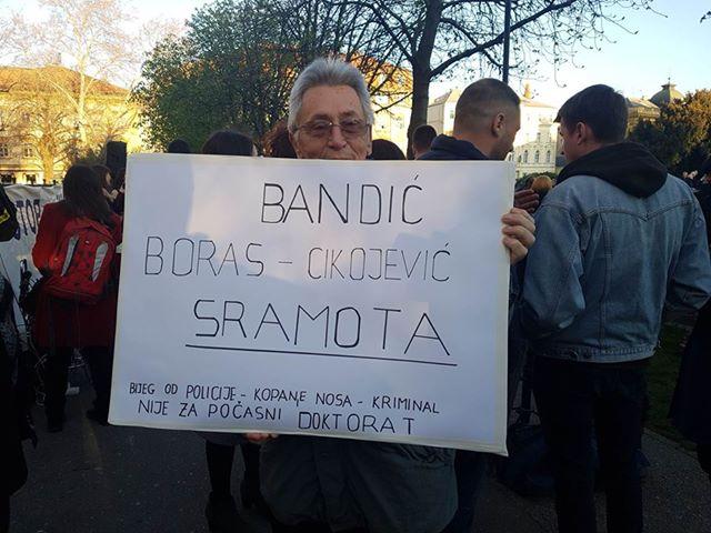 Prosvjednici izglasali antidoktorat za Bandića