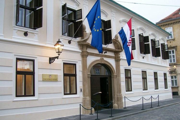 Hrvatska ponovno u investicijskom rejtingu, BBB- sa stabilnim izgledima