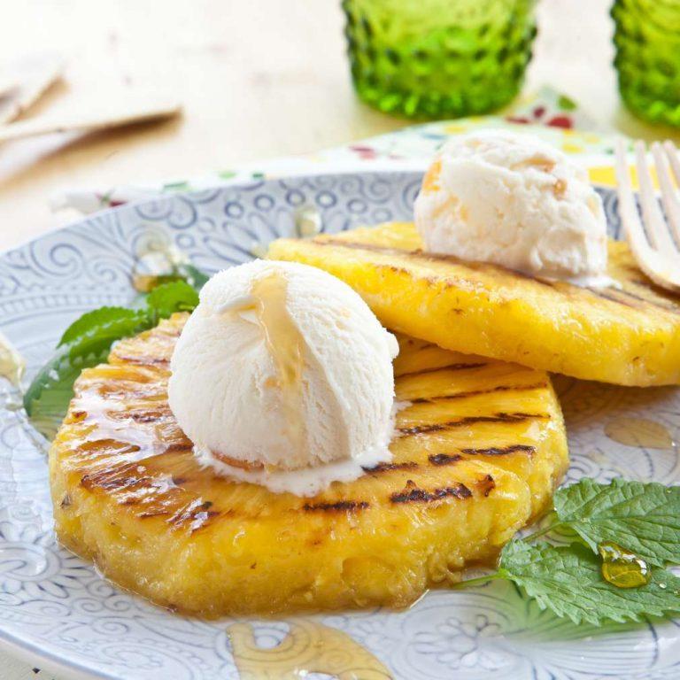 Ananas s roštilja i sladoled / recept