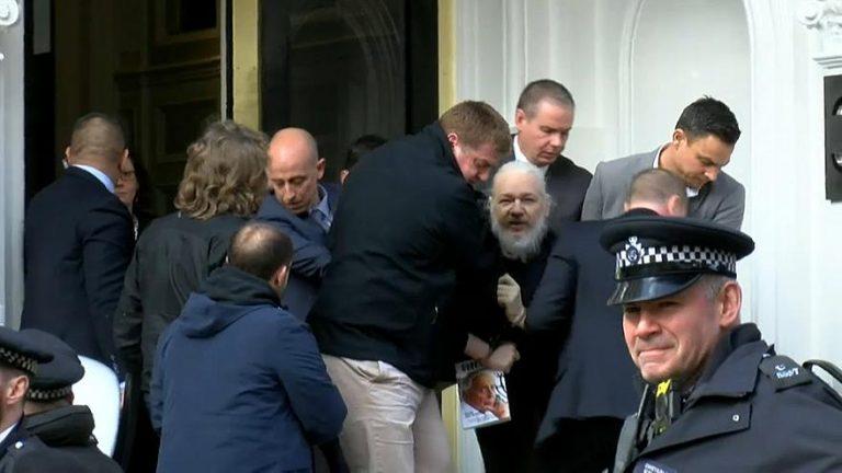 Uhićen osnivač Wikileaksa Julian Assange koji je otkrio brojna nedjela