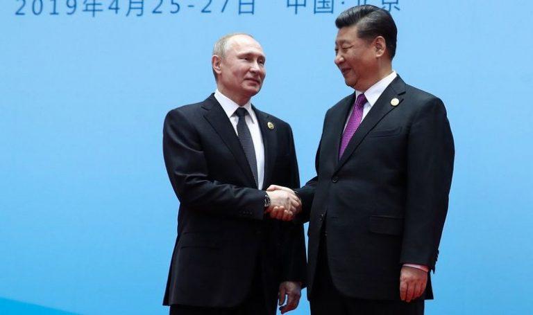 Xi Jinping dodijelio počasni doktorat 'svom najboljem prijatelju' Putinu