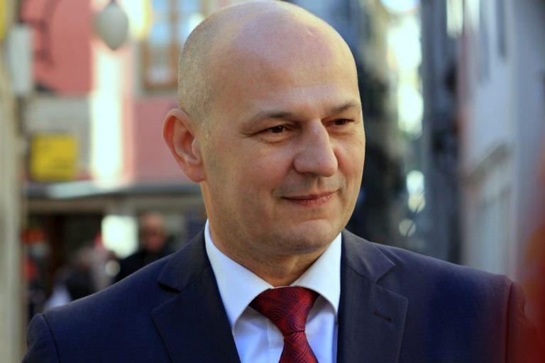 'Treba izrezati karcinom korupcije koji je napao hrvatsko društvo. Vrijeme je postanemo snažni'
