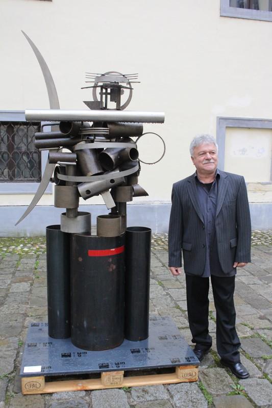 RAZGOVOR U POVODU – akademski kipar Nenad Opačić