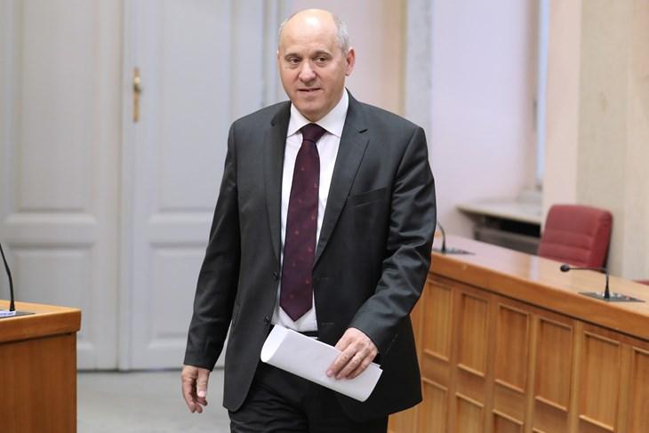 Bačić naslućuje da je referendumsko pitanje sindikata protuustavno