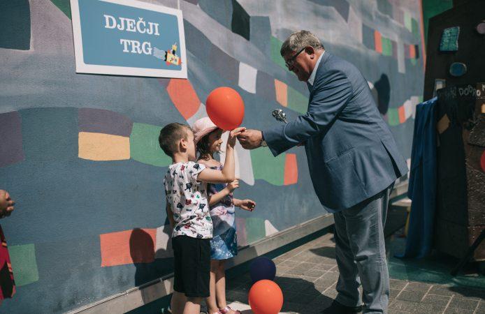 Gradonačelnik Obersnel  djeci predao ključ grada uoči otvorenja dječjeg festivala Tobogan Rijeke 2020 – EPK