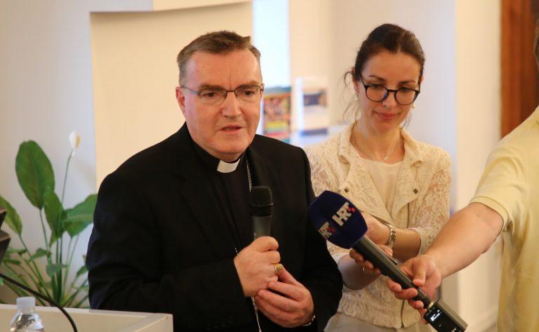 Kardinal Bozanić: Vjeronauk u školi ima poseban utjecaj na religioznost mladih