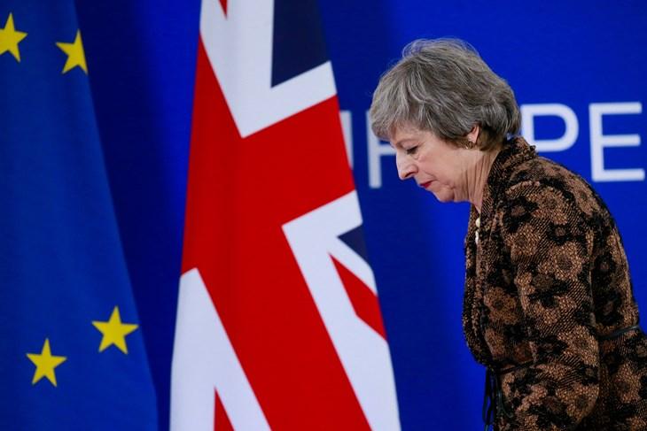 Predajom ostavke završila era Therese May koju će povijest pamtiti po brexitu
