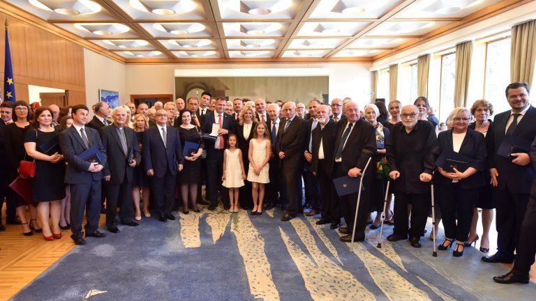 Uručena brojna odlikovanja i priznanja Republike Hrvatske