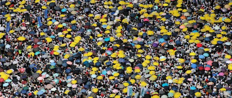 Na ulice izašlo pola milijuna ljudi, bijesni su zbog zakona po kojem bi im se sudilo u Kini