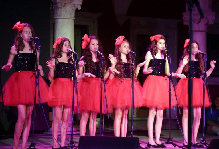 Arsenova čarolija na ljetnoj pozornici sinoć i program za danas na MDF-u u Šibeniku