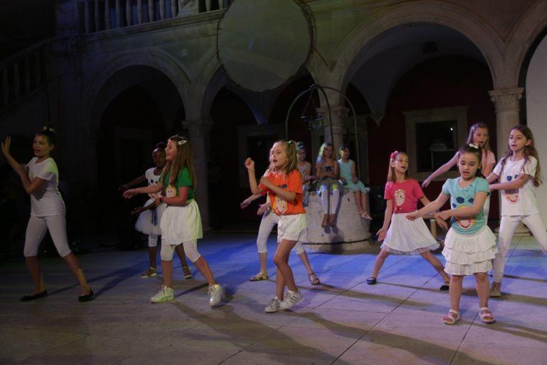 Matija Dedić: Ćaća ne bi htio zlatne biste i parkove sa svojim imenom, ali koncert će biti predivan