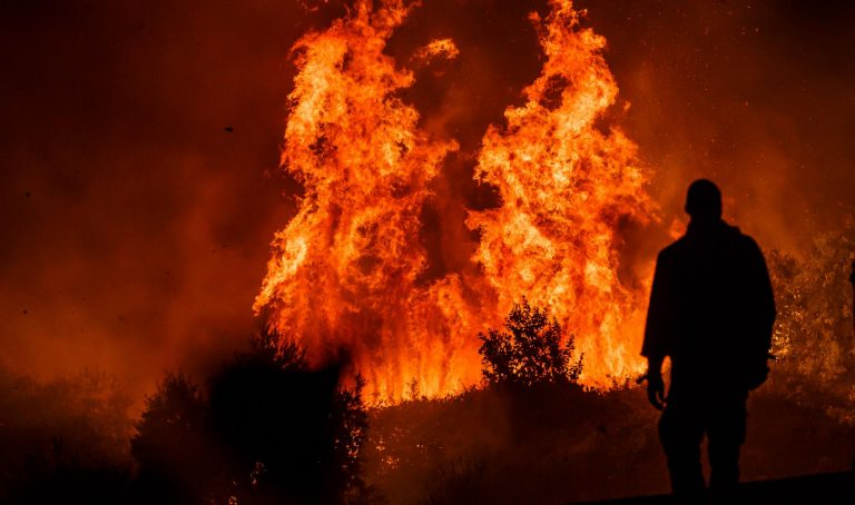 ŠIBENIK – Ogromni požar i dalje aktivan, ali pod kontrolom