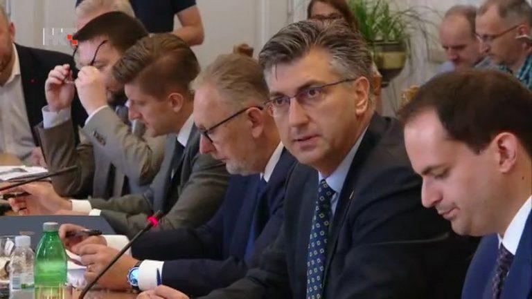 Sabor dao potporu novim ministrima, svi prisegnuli