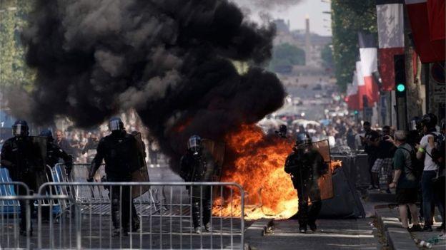 'Žuti prsluci' ne odustaju, došlo do sukoba s policijom, 150 uhićenih