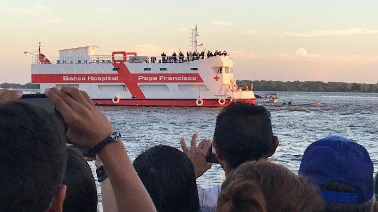"""Brod bolnica """"Papa Franjo"""" primio prve pacijente"""