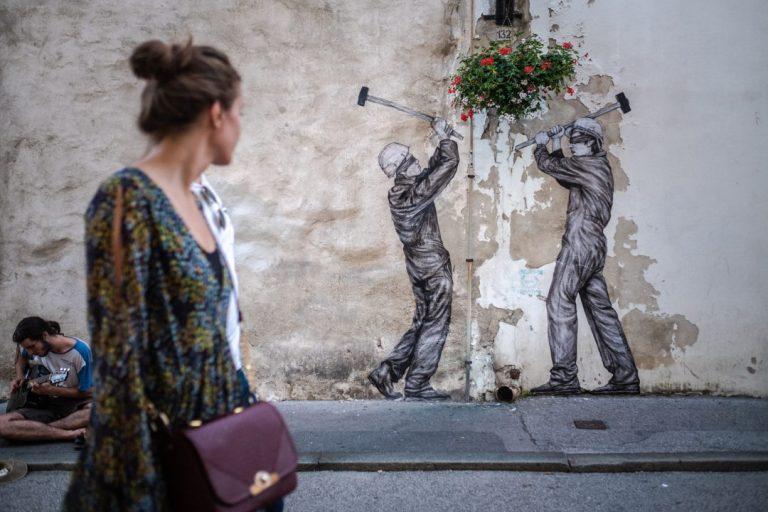 """Projekt """"Okolo"""" – umjetničke intervencije u središtu Zagreba"""