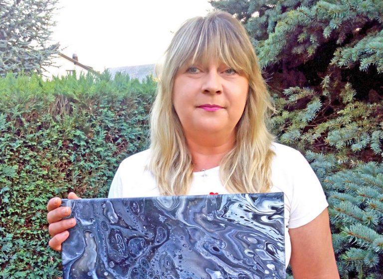 Snježana Zelenović, umjetnica koja izrađuje i  nakit i slike