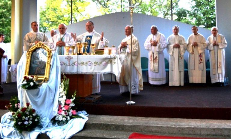 Biskup Palić: Ponestaje ljubavi, razumijevanja, odgovornosti, poštovanja drugoga, sklada u obitelji