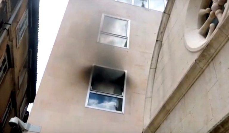 U popodnevnim satima izbio požar u zgradi na Peristilu