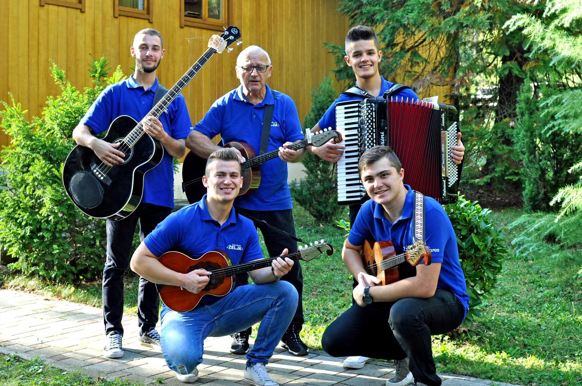 Tamburaski Sastav Zelja Odusevljava Nastupima Akademija Art Zagreb