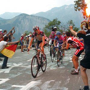 tour de france, after l 'alpe d' huez climb, fanatical viewers