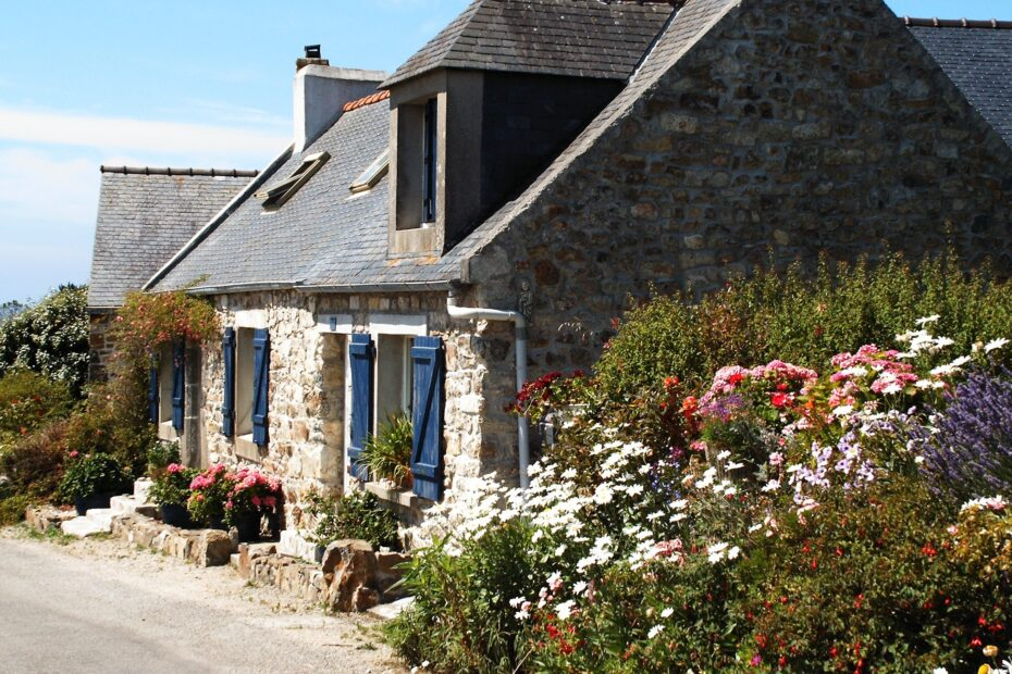 cottage, brittany, france
