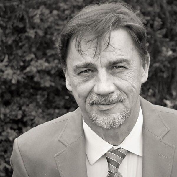 TOMISLAV DOMOVIĆ u pjesničkoj antologiji u redakciji T.M. Bilosnića