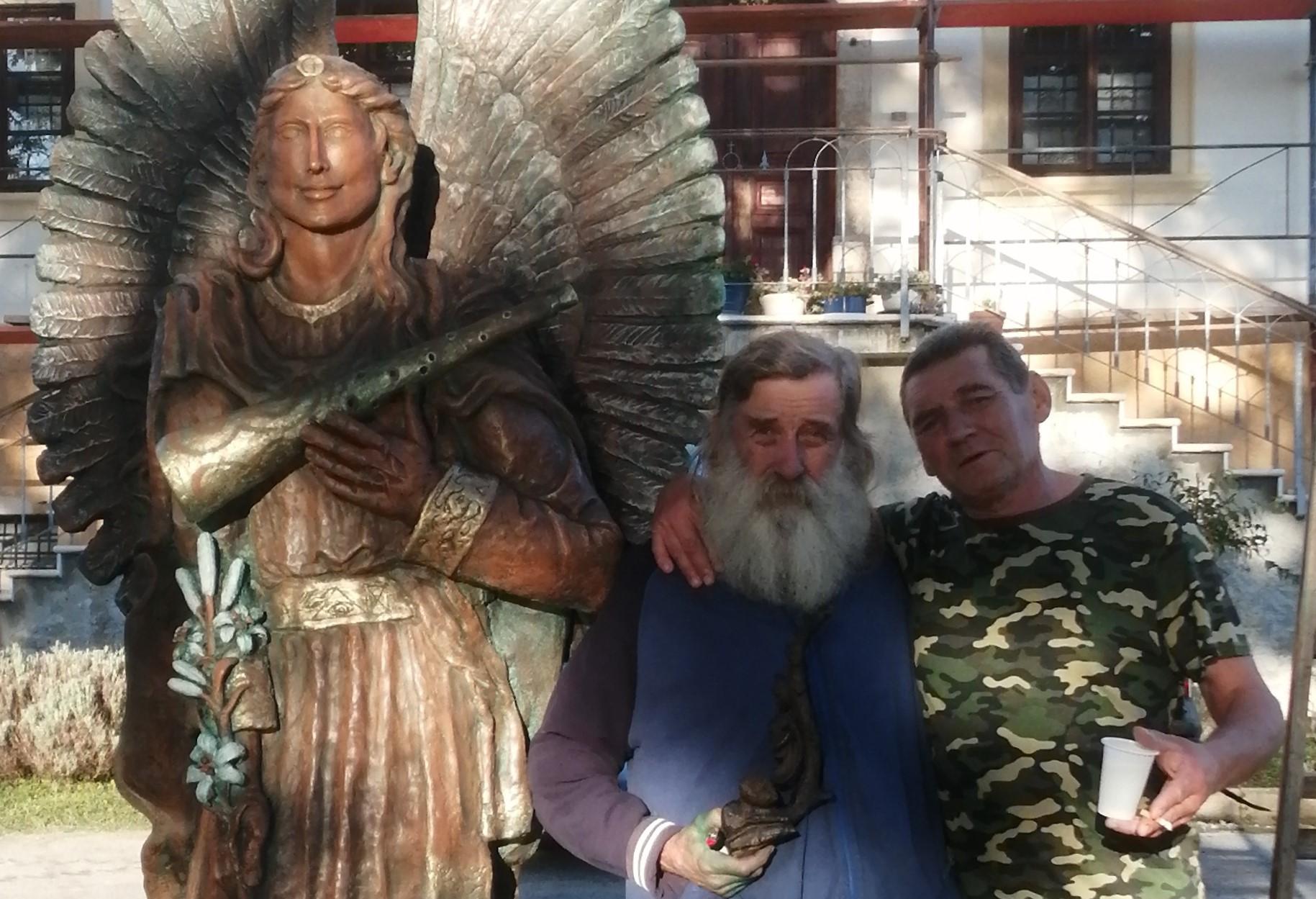Izdidor Popijač Žiga u povodu postavljanja skulpture arkanđela Gabrijela