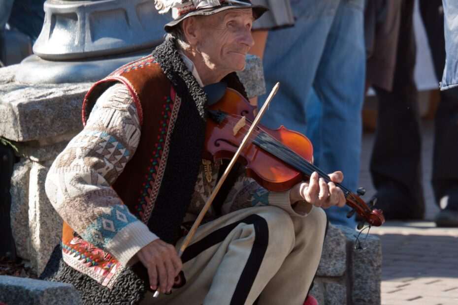 man, elderly, violin
