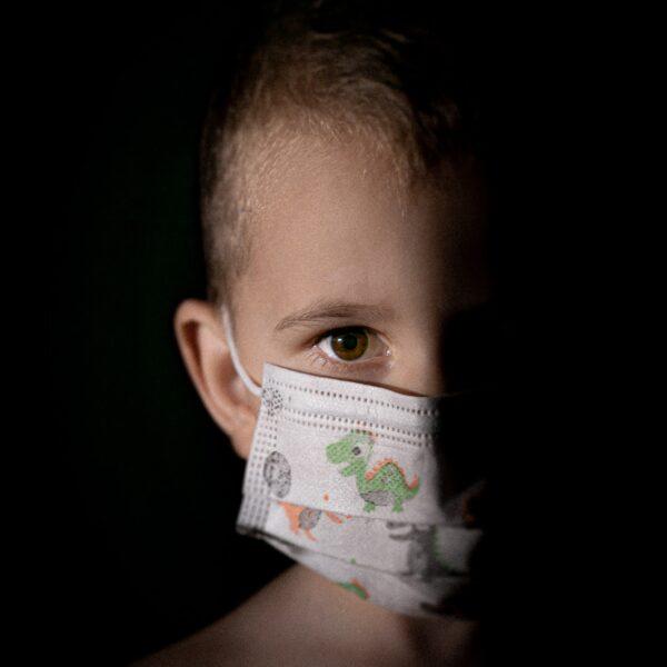 U Hrvatskoj preko 3000 novooboljelih dnevno, ozbiljna pandemija pred vratima