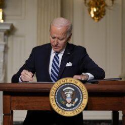 Biden potpisao niz uredbi za borbu protiv klimatskih promjena