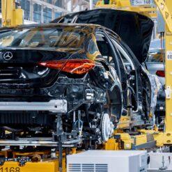 NOVI Mercedes C-Class 2022 – proizvodni pogon u Njemačkoj (ovako je napravljen)
