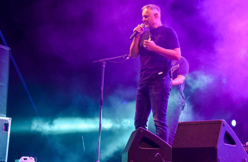 Spektakl u Našicama – koncert Thompsona