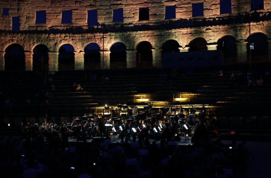 "GRAND FINALE 3. FESTIVALA SUMMER CLASSICS U ARENI: KONCERT ""OPERA GALA"""