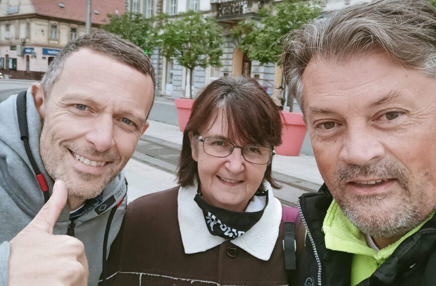 Juraj Šebalj u gradskom električnom automobilu – u Osijeku i s povezom na očima