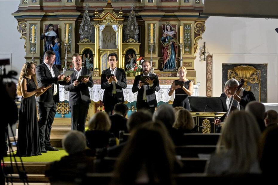Cvjetna rapsodija u srcu Varaždina i koncerti u Remetincu i Varaždinu