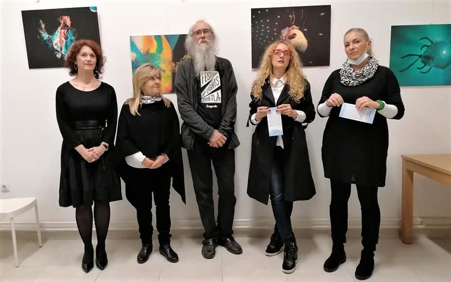 Svjetlošću oživljene kamene ribice – izložba u novom prostoru inkluzivne galerije Art CeRZe