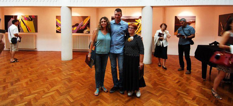 Tonko Smokvina predstavio se u Metkoviću izložbom apstraktnih slika